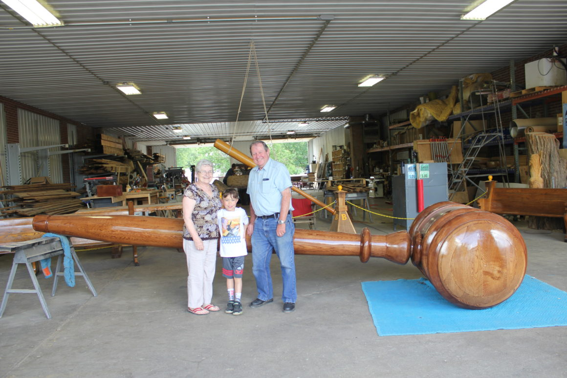 Midwestern Road Trip to Casey, Illinois: A Small Town with Big Stuff Means Lots of Travel Fun for Kids *********************** Casey Illinois   Weekend Getaway   Small Town Big Stuff   midwest roadtrip  family roadtrip   World's Largest   Illinois road trip  Roadside Americana   roadside attractions   road trips from Chicago